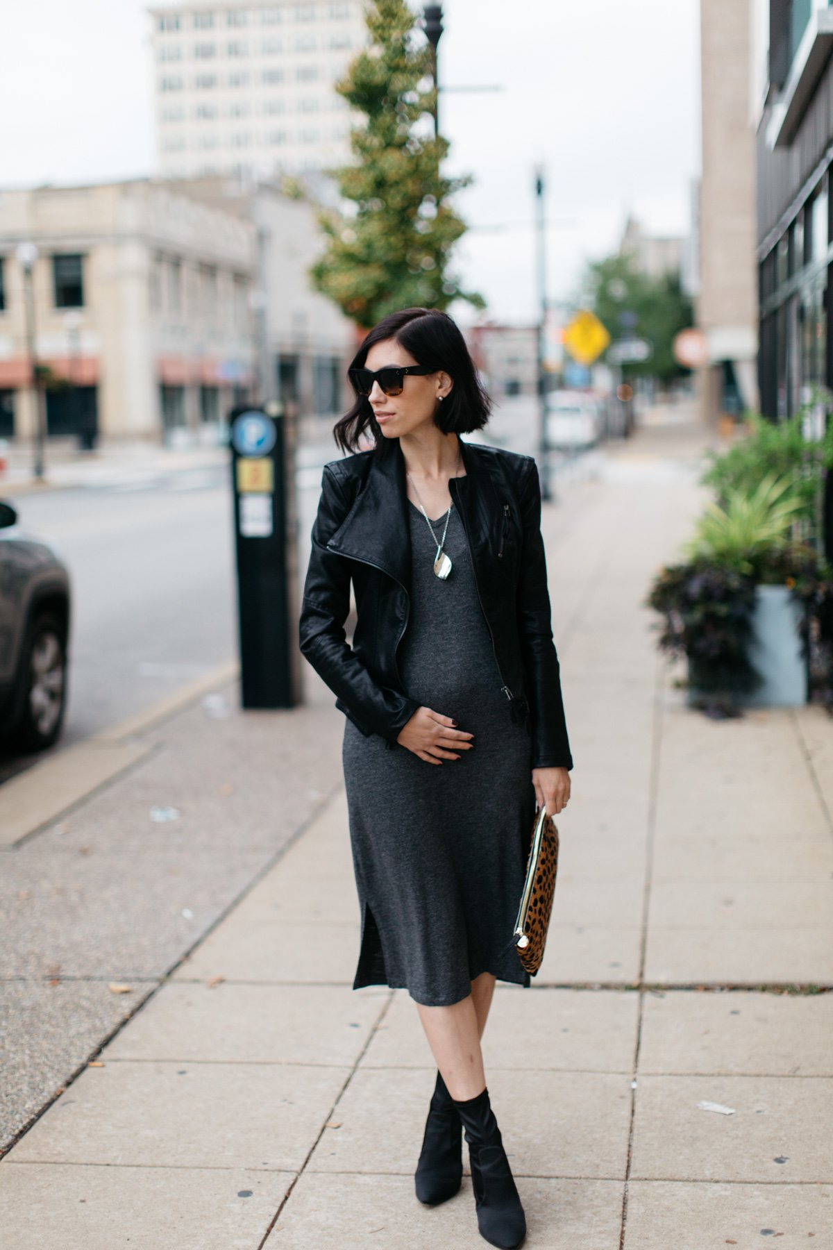 192f51ce513 What to Wear for a Maternity-Friendly Date Night