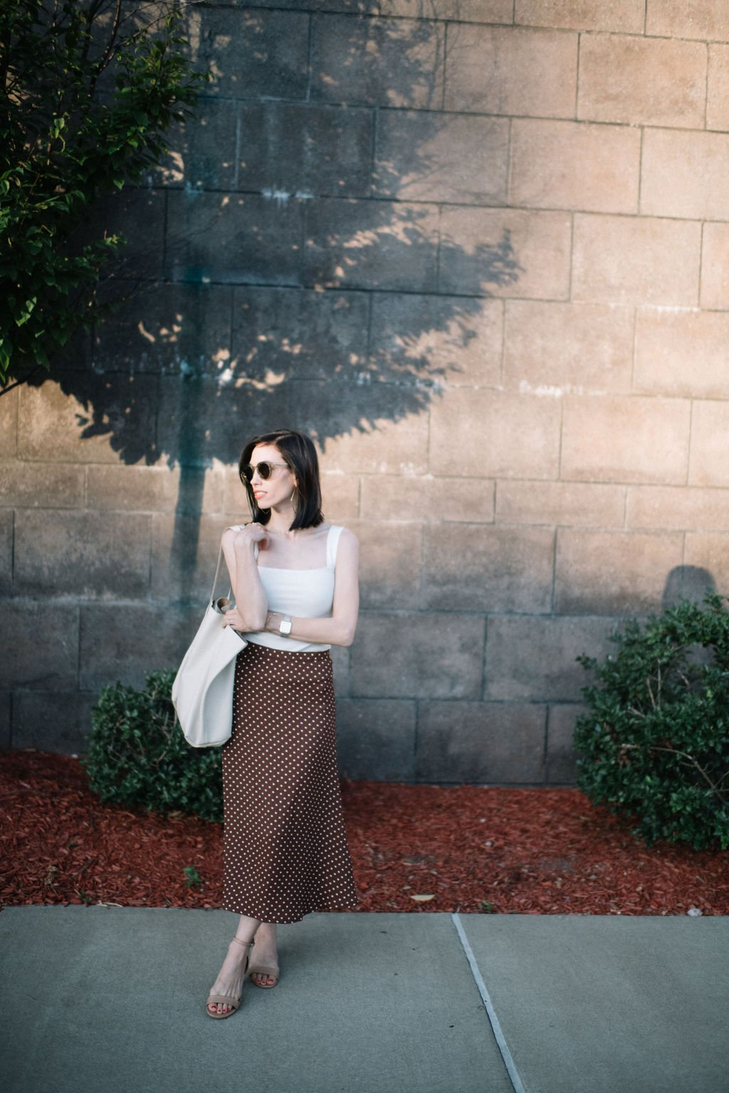 Top US lifestyle blogger, Wellesley & King, highlights sustainable fashion brand Reformation: sustainable fashion, Pittsburgh fashion blogger, Pittsburgh, Reformation, Jcrew, midi skirt, brunette, spring style, ethical fashion, petite fashion, petite style